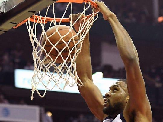 Utah Jazz forward Derrick Favors (15)