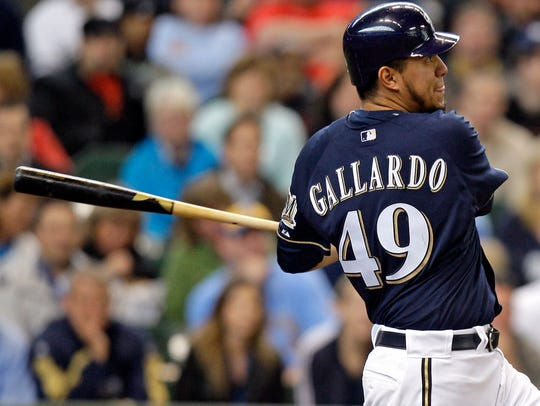 Milwaukee Brewers starting pitcher Yovani Gallardo
