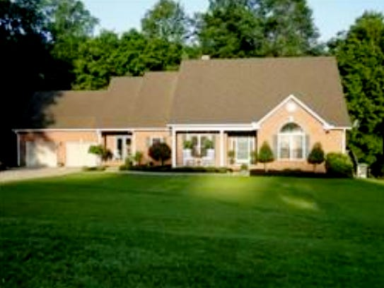 ROBERTSON COUNTY: 3404 Catholic Church Road, Cedar