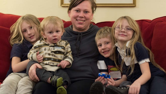 Amber Sheppard and her four kids: left to right, Marissa, Mason, Logan, and Savanna.