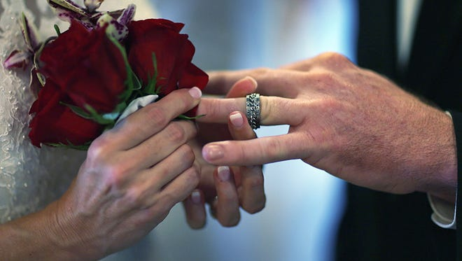 Bigger weddings, fewer partners and less 'sliding' is linked to better marriages, a recent study says.