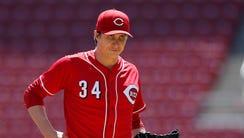 Cincinnati Reds starting pitcher Homer Bailey (34)