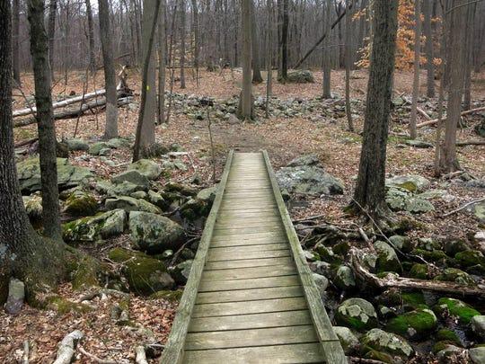 033116-s-hiking-65p.jpg