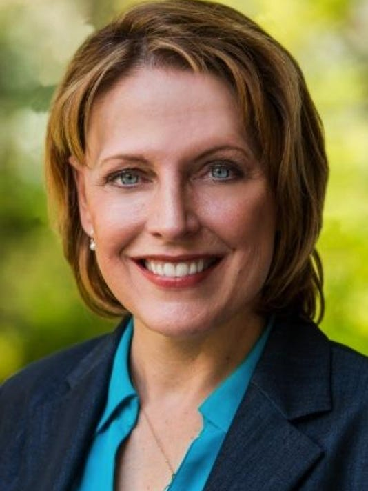 connie pillich headshot