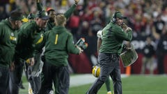 Mike McCarthy will call plays going forward