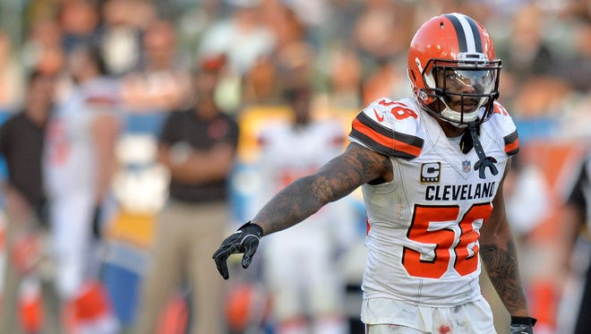 Cleveland Browns outside linebacker Christian Kirksey (58) gestures during the fourth quarter against the Los Angeles Chargers at StubHub Center.