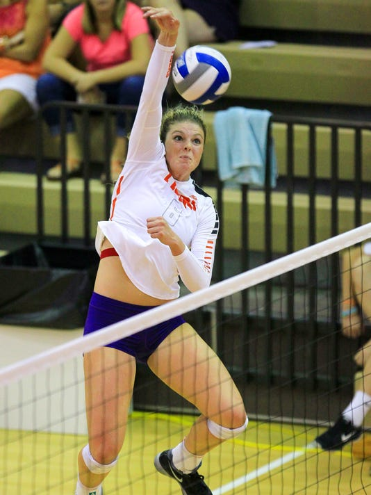 Clemson volleyball beats High Point 3-1, scores of 21-25, 25-21, 25-22, and 25-23 in Jervey Gymnasium.