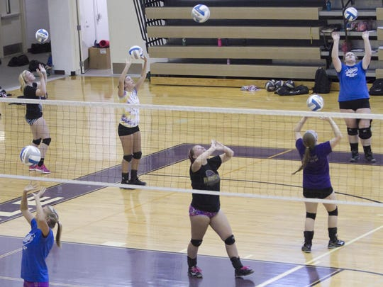 FHS volleyball tryouts_02