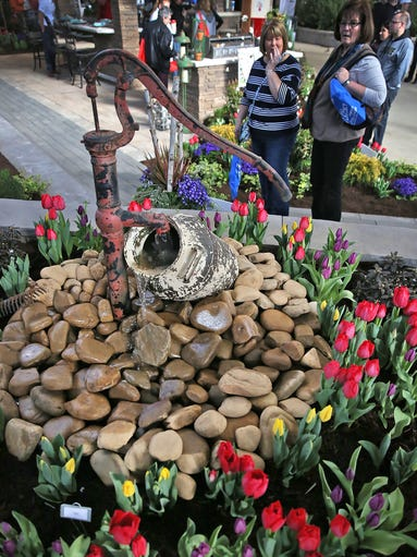 Indiana flower and patio show for Vive exterior design indianapolis