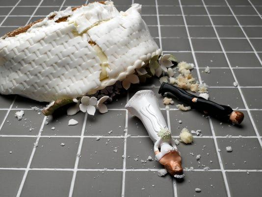 Ask-Amy-Wedding-Crashes