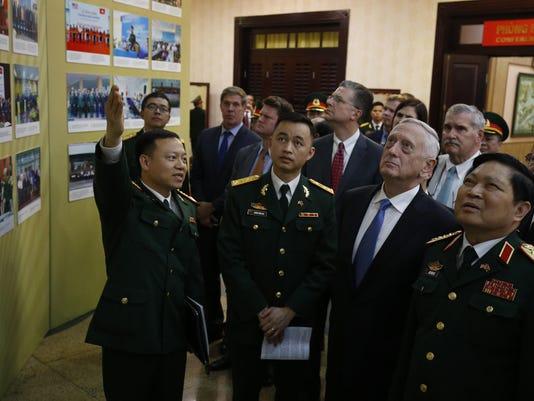 Ngo Xuan Lich,Jim Mattis