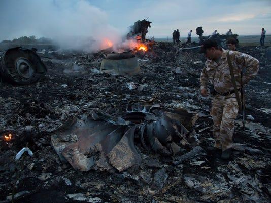 -CLRBrd_07-18-2014_LeafChron_1_A002~~2014~07~17~IMG_Ukraine_Plane_2_1_UU7VSA.jpg