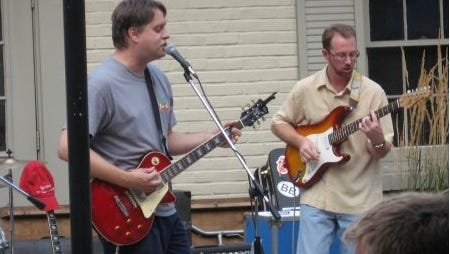 Gil Smart (left) and Mike Cleaveland perform with the Suburban Guerrillas in 2007 in Lancaster, Pa.