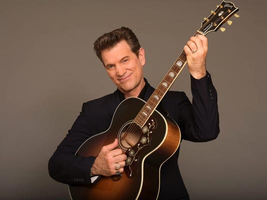 636685488118818388-Chris-Isaak-guitar.jpg