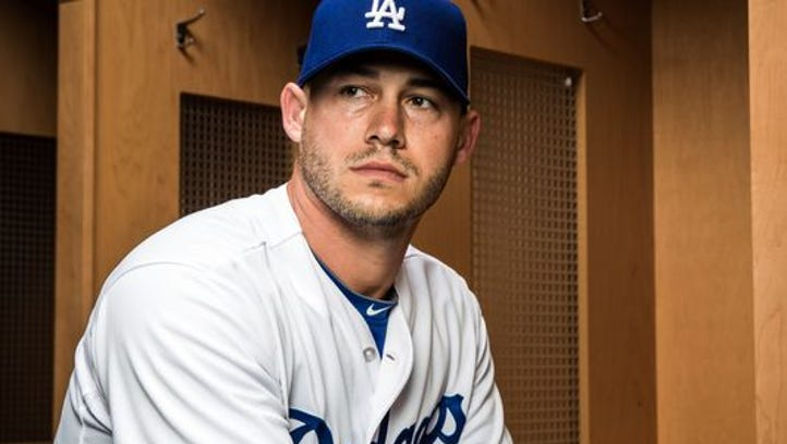Phils pick up reliever Dustin McGowan