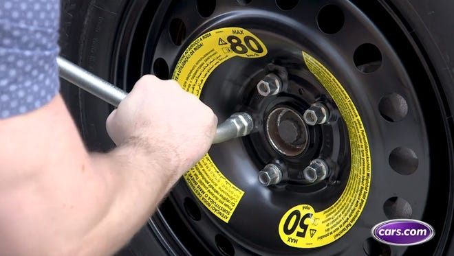 How to change a tire demonstration.