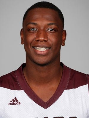 Former Missouri State forward Reggie Scurry announced via Twitter on Sunday that he is transferring to MTSU.