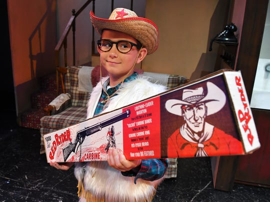 Ralphie is played by Ethan Pucylowski. A Christmas