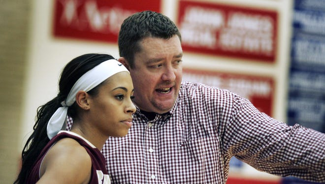 Former Riverdale coach Corry Barrett will be the next girls basketball coach at Lebanon.