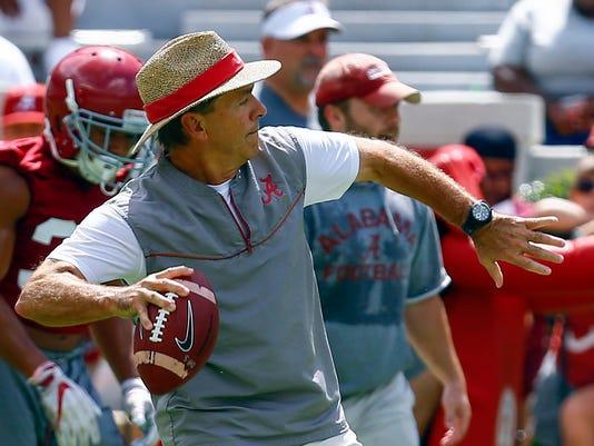 Alabama_Practice_Football_74313.jpg