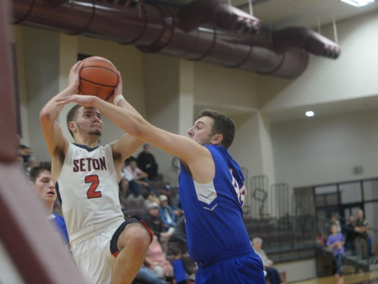 Union County's boys basketball team defeated Seton
