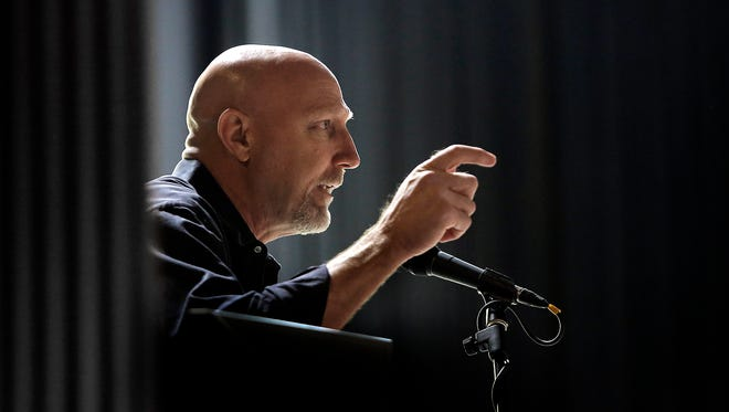 """University of St. Louis Criminology and Criminal Justice Professor David Klinger discusses his findings in a study of police force in the city of St. Louis during a panel discussion on """"The Use of Force in Policing"""" on Thursday at the University of Texas at El Paso."""