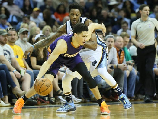 Mar 6, 2016: Phoenix Suns guard Devin Booker (1) dribbles