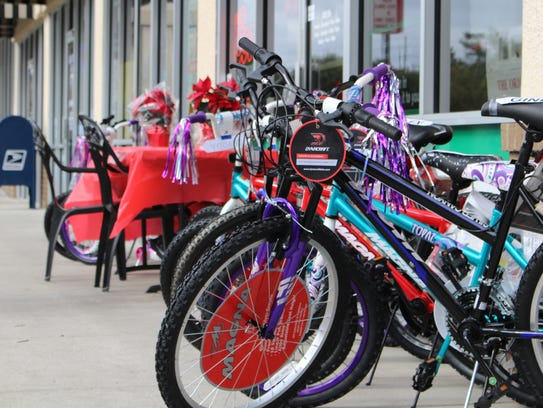 Brand new bikes in front of Anthony's Pizza Oviedo
