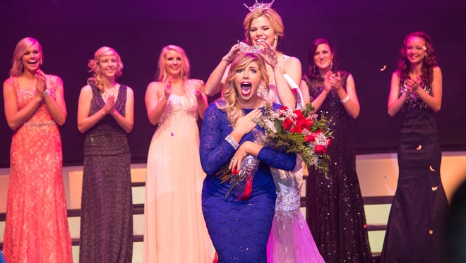 Sara Wulfenstein is crowned the 2015 Miss Dixie Homecoming Queen on Tuesday evening in the M.K. Cox Performing Arts Building.