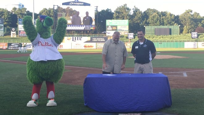 BlueClaws and Phillies extend Player Development Contract through 2020.