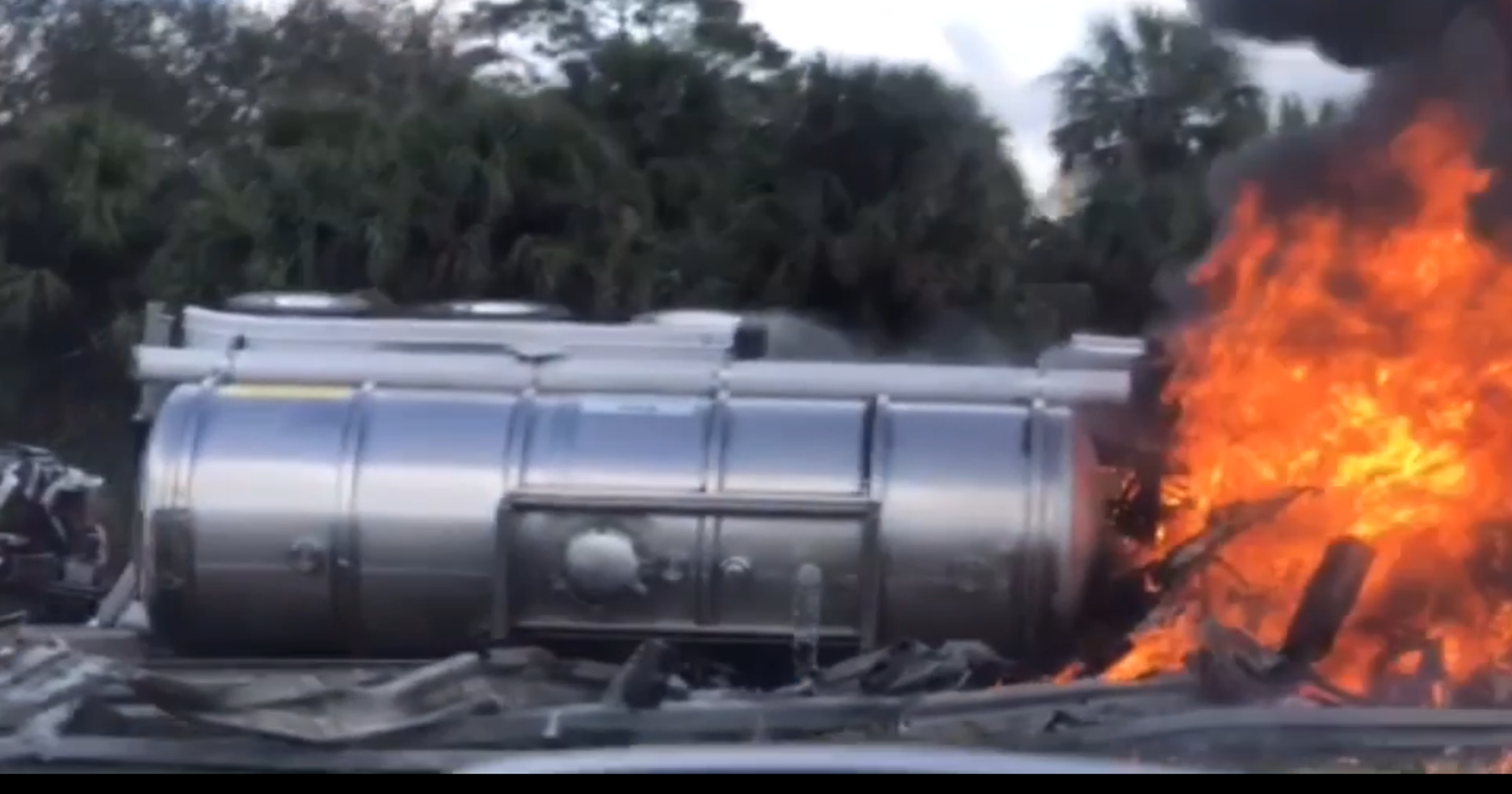 Micco crash on I-95 caused by tire problem on hydrogen peroxide tanker