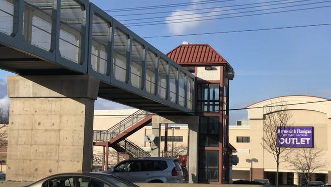 Shoppers and bus commuters at this Route 4 footbridge linking two Paramus malls were inconvenienced when the span's finicky elevator failed and its crumbling stairway was closed.