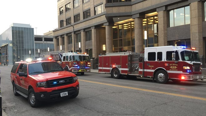 Des Moines firefighters extinguished a kitchen fire at the Principal Building Thursday morning that started in a pot left on the stove at the 801 Chophouse restaurant on the building's second floor.