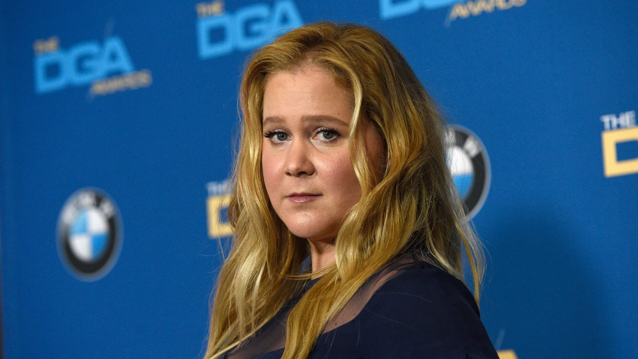 16a2cc026260 Surprise! Amy Schumer and chef Chris Fischer are married!