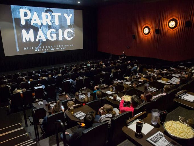 photos food amenities at luxury movie theaters around