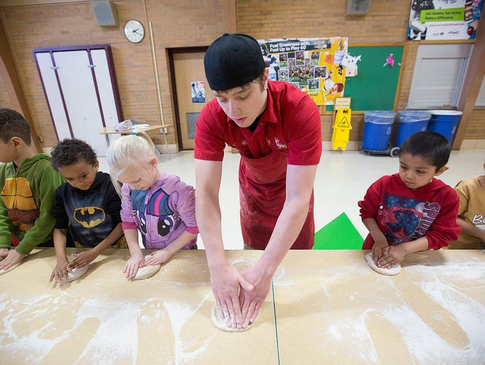 Toppers pizza demonstration at mckinley elementary junglespirit Choice Image