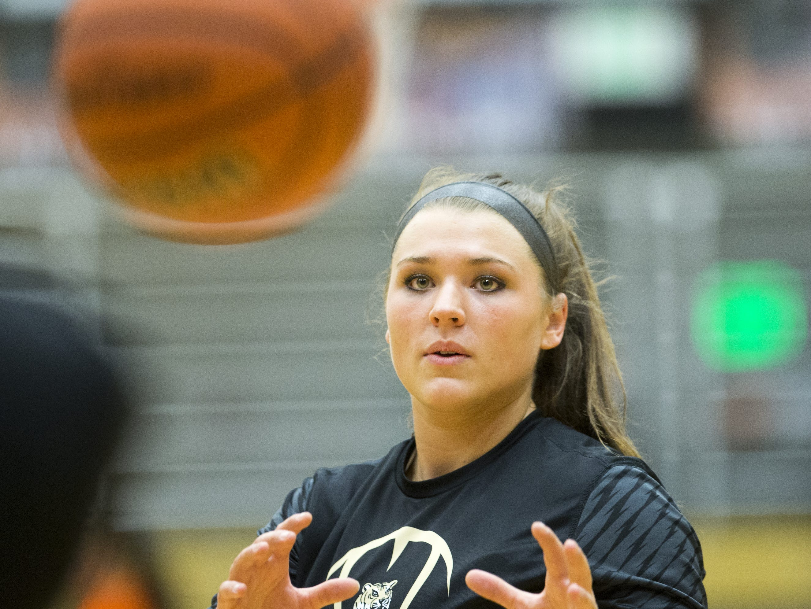 Kristen Spolyar is among the leading candidates for 2015 IndyStar Miss Basketball.