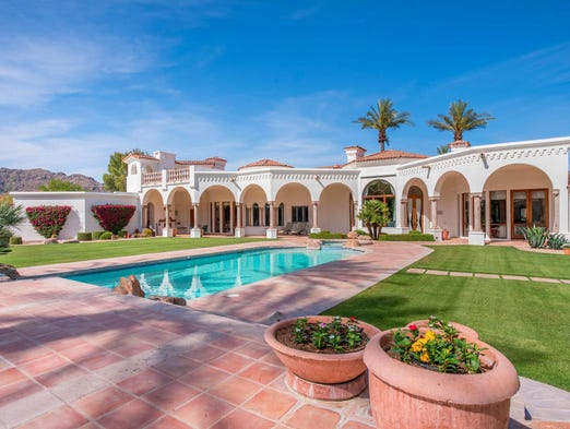 Luxury Homes 3 2m Mesa Mansion Has Nba Style Basketball