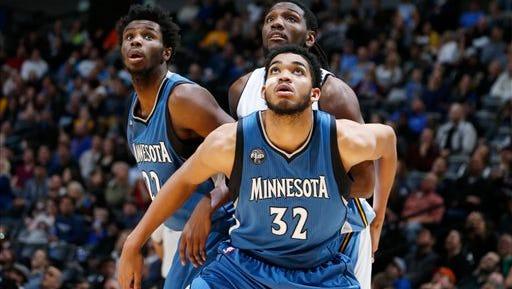 Minnesota Timberwolves center Karl-Anthony Towns (32)