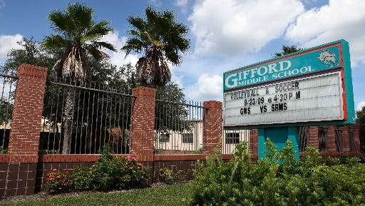 Gifford Middle School parents are being advised to keep sick students home because of an outbreak of a highly contagious intestinal virus in the school of 900 students.