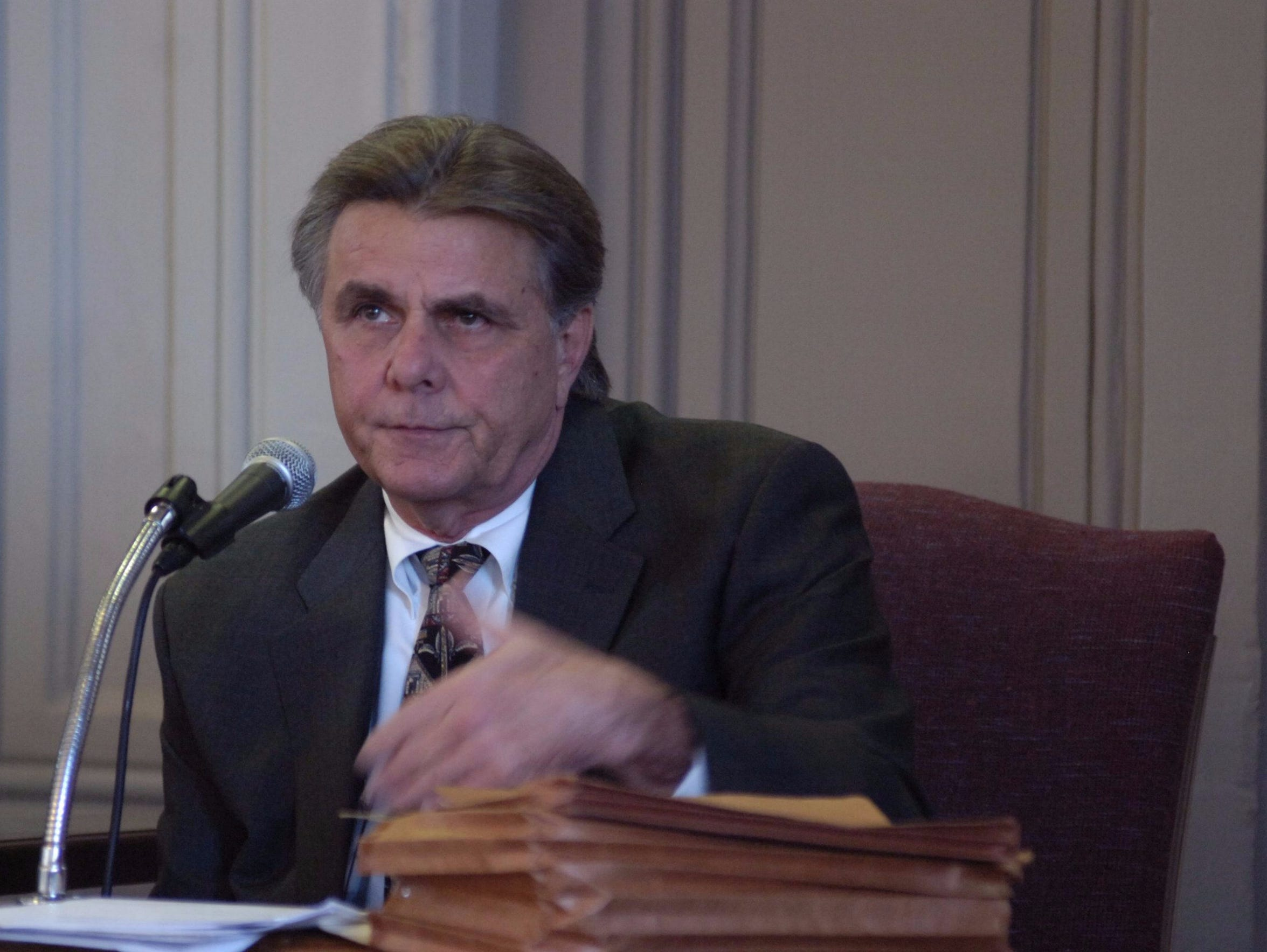 Forensic psychologist Dr. Dennis Eshbaugh testifies