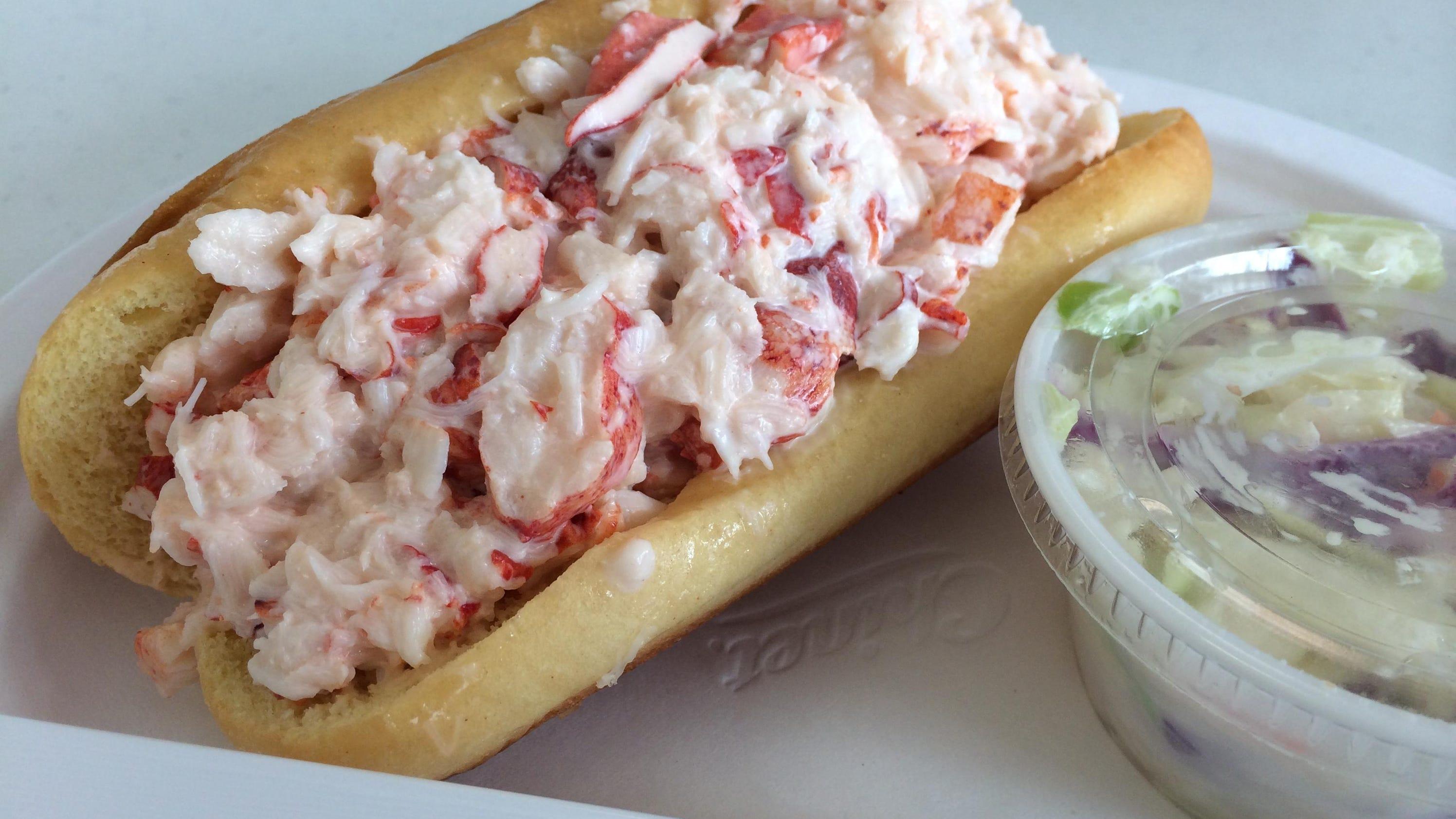 Seafood restaurants jlb 39 s picks from fort myers to naples for Fish restaurant fort myers