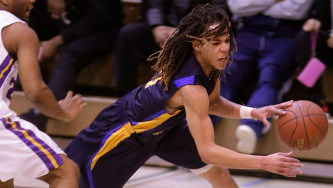 Former Milwaukee King standout Virshon Cotton will play at Division I Akron.