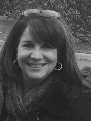 Donna Ciarcia-Perrault, Carmel