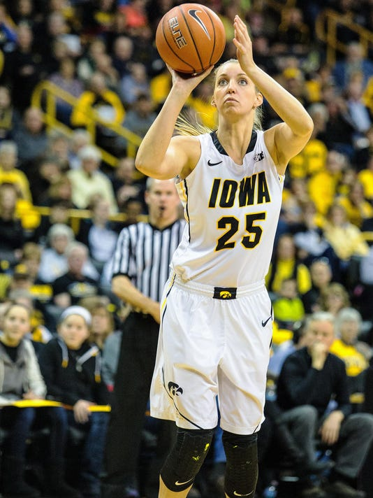 PC.WBB.IowaVsMinn.030115.JustinTornerPhoto-18