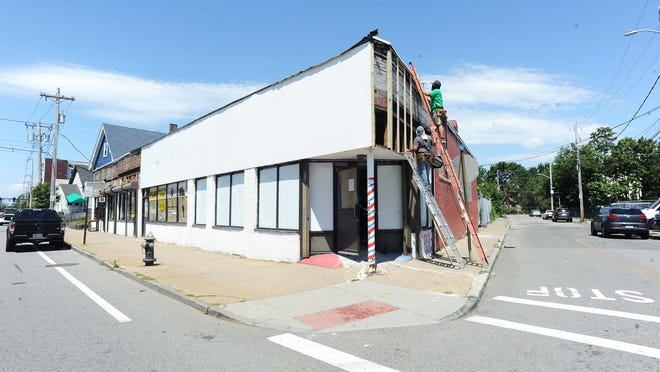 Legal Greens, a marijuana dispensary, plans to open this November at 73-75 Pleasant St., in Brockton, after receiving a marijuana license from the city council. The building is pictured Tuesday, July 28, 2020.