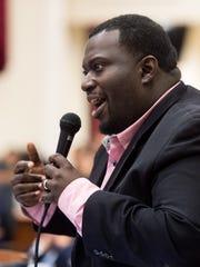 Councilman Scott Davis speaks during a Metro Council