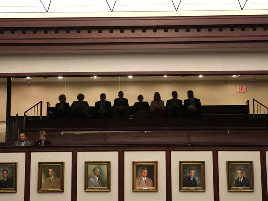 State worker pay raise hopes rest in senate for Balcony sessions