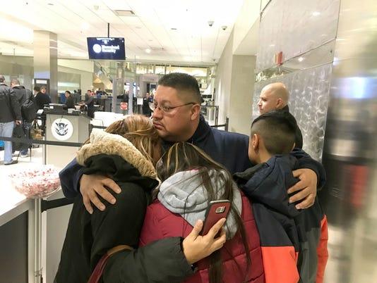 AP FATHER DEPORTED A USA MI