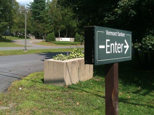 -BUR 0827 Vermont Yankee entrance.jpg_20130827.jpg